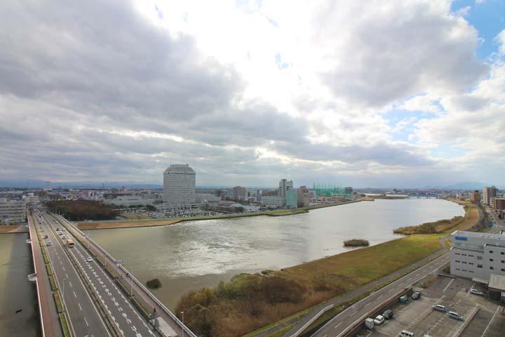 教室から見える新潟市